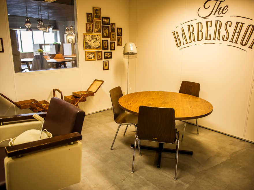20160120 Hutten 360 1621 The Barbershop